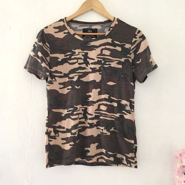 HISSO camouflage top