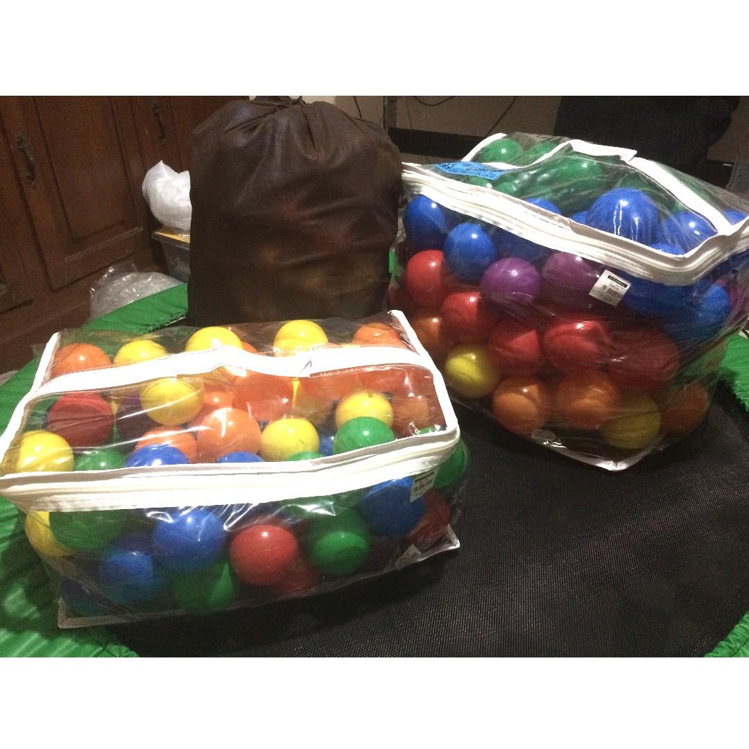Intex Plastic Balls