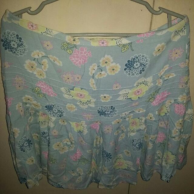 Repriced! Kamiseta Floral Skirt