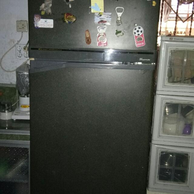 Kulkas Merk Toshiba 2 Pintu Besar
