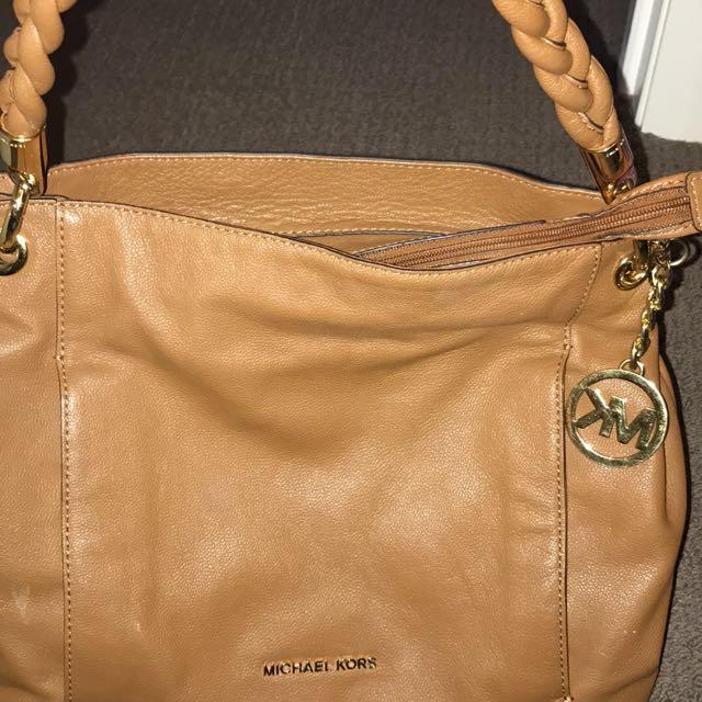 Michael Kors Hand Bag real