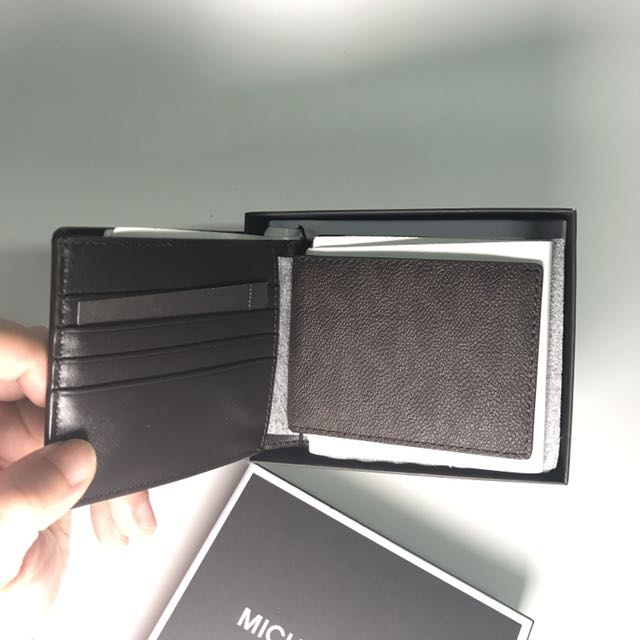 f90e978e6b5f Michael Kors Men's Compact ID Wallet in Signature PVC brown, Men's Fashion,  Bags & Wallets on Carousell