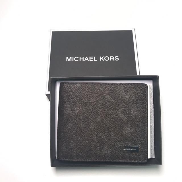 aac0a4ff3624 Michael Kors Men's Compact ID Wallet in Signature PVC brown, Men's ...