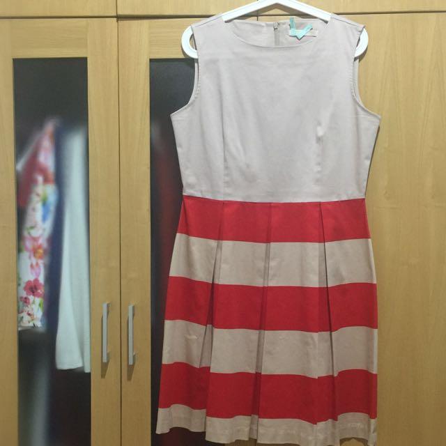 Minimal- Creme Stripes Dress
