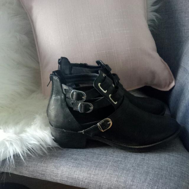 Novo Buckle Boots Size 10