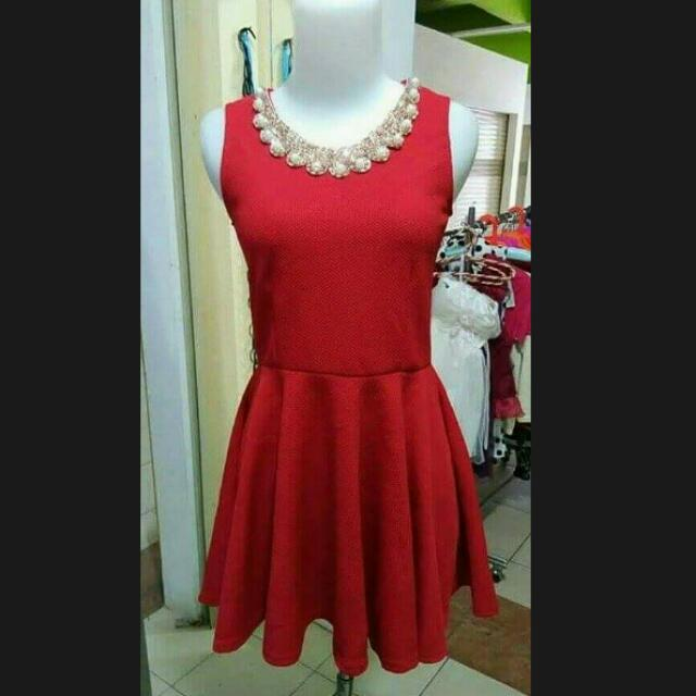 Pearl Collar Red Top