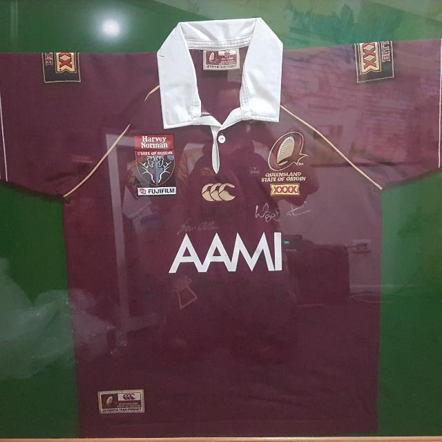 Qld  Signed  Jersey Framed, Titans 170 Qld Legends 450