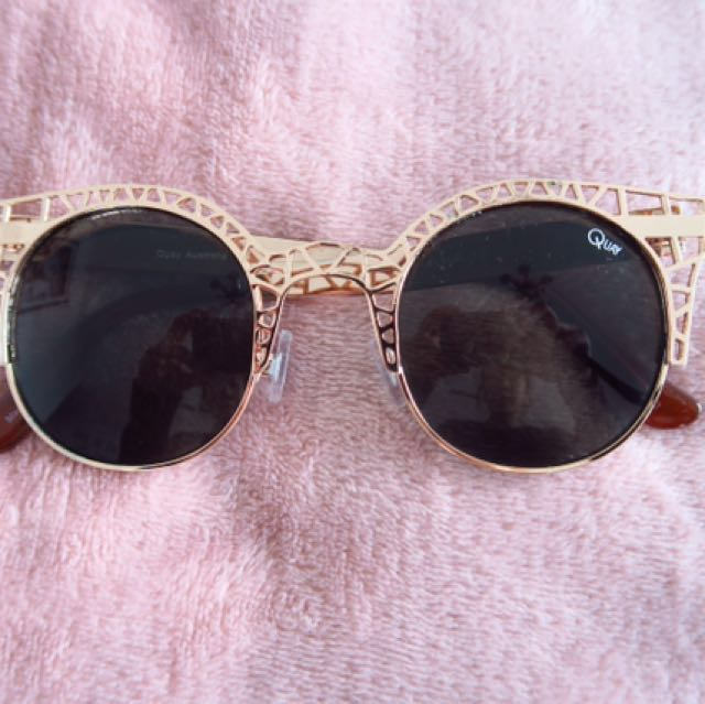 QUAY AUSTRALIA Pippa Gold Cut Out Sunglasses
