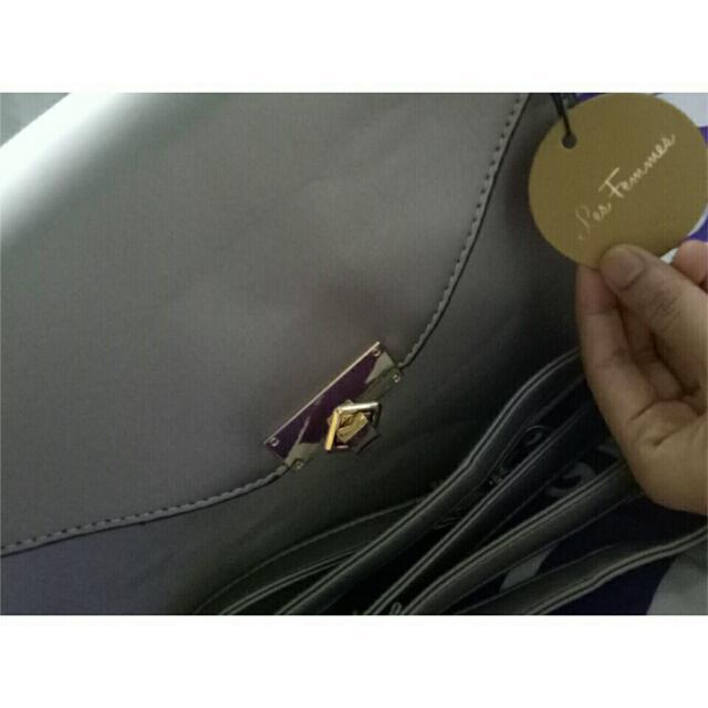 SALE. Les Femmes Bag