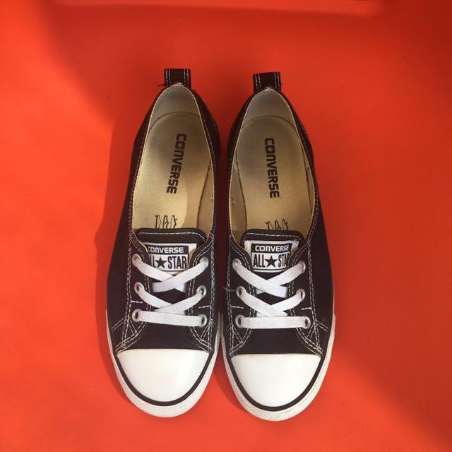 Size 7 converse chuck Taylor all star b&w