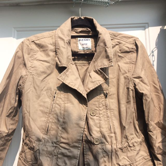 Size XS 3/4 length sleeve trench coat