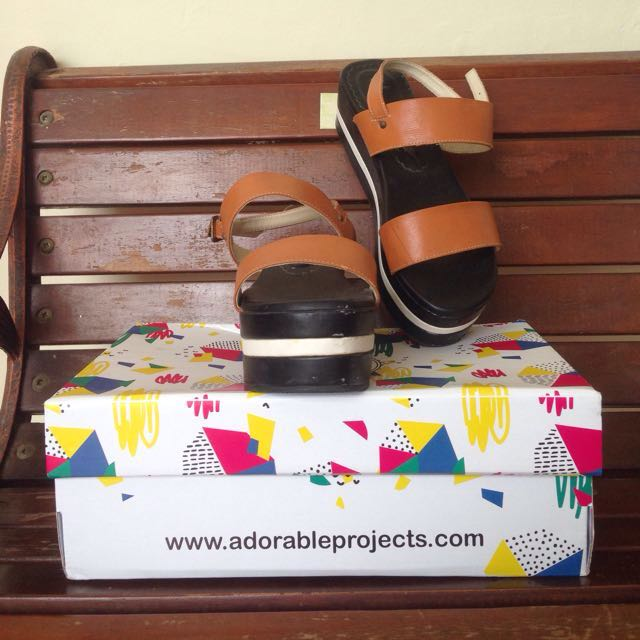 Tan Platform by Adorable projects