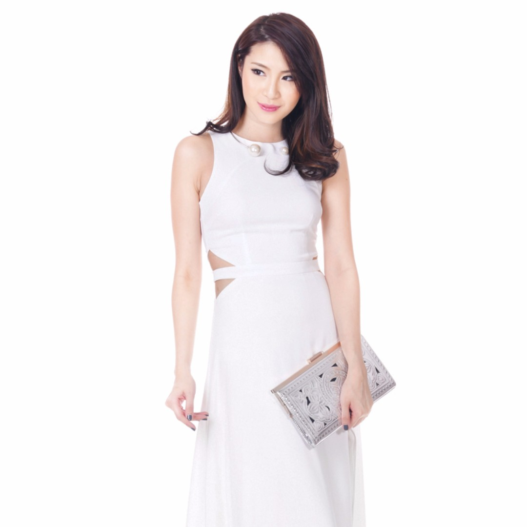 104f9f07ce8 THECLOSETLOVER TCL Willow Flowy Slit Maxi Dress in White