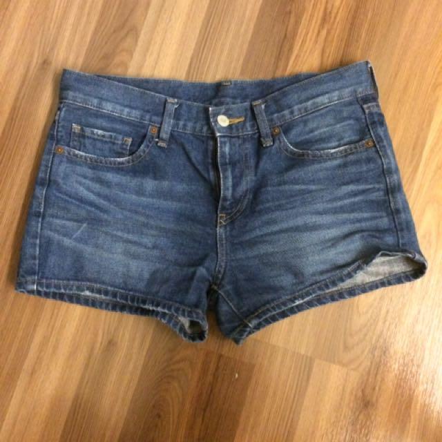 Uniqlo牛仔短褲