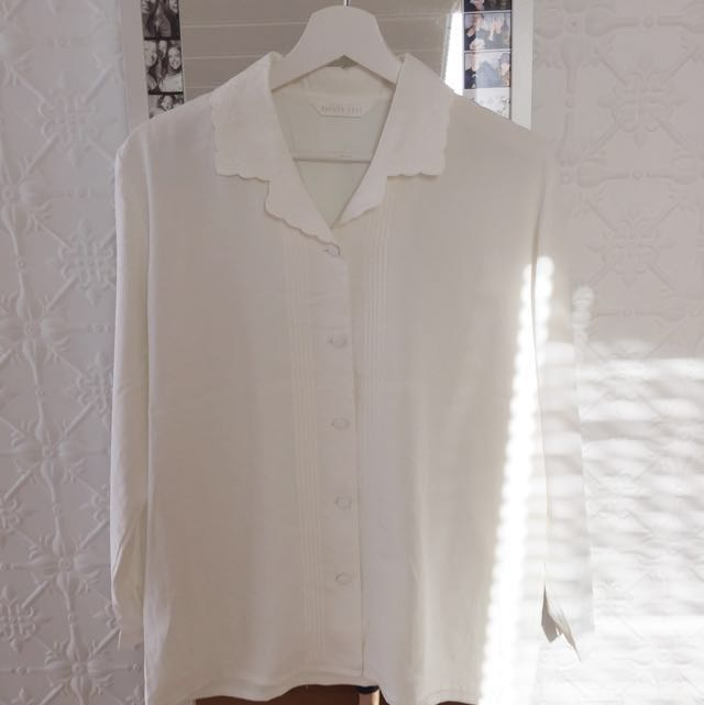 Vintage White Shirt With Embroidered Collar Size 8-10