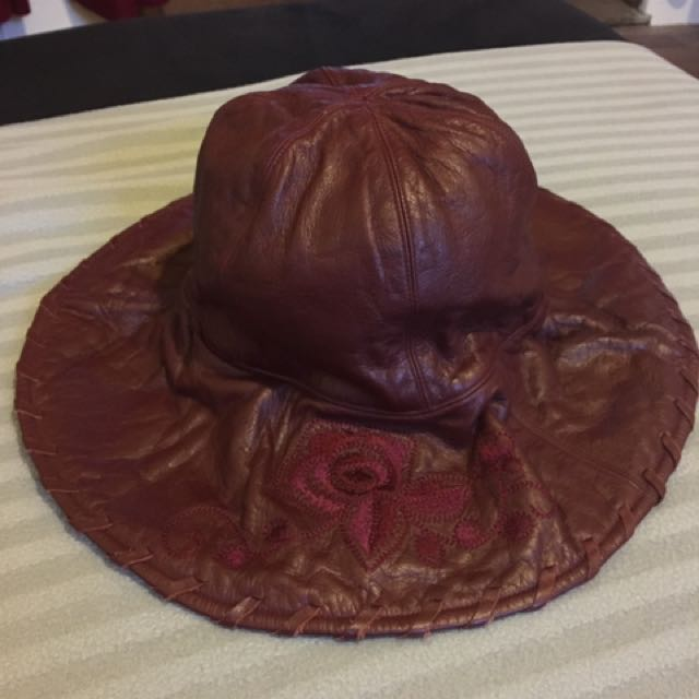 Vivayou Genuine Leather Hat only worn once