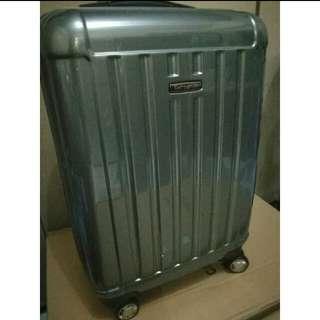 Hand Carry Luggage: Samsonite Menton Spinner