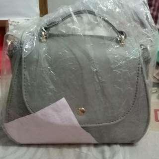 Less Femmes Handbags