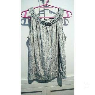 Selling This 2 Clothes
