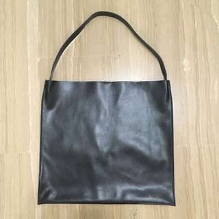 Single strap black faux leather shoulder bag