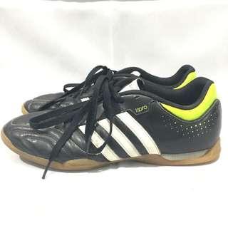 Adidas 11 pro futsal shoes