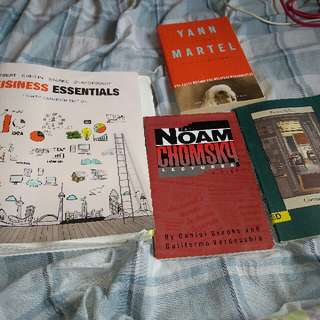 Selling Mgmt*1000 looseleaf textbook (binder included)  And books for Engl*1030