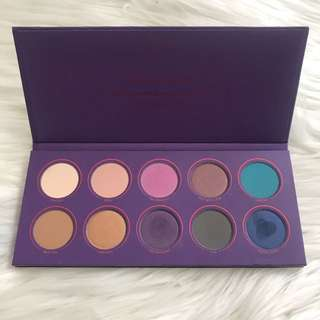 Zoeva 'Love is a story' palette