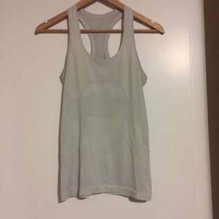 WHITE LULULEMON TANK TOP