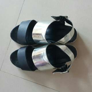 🚚 韓版 金屬質感厚底涼鞋