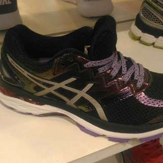 authentic asics GT2000 for women
