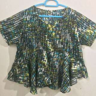 Abstrack pemplum top
