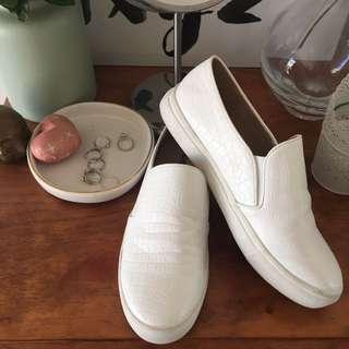 Shubar Slip on shoes
