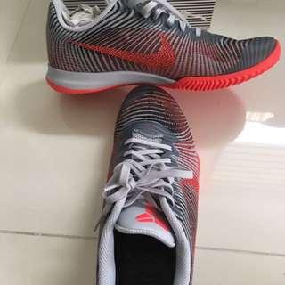 Nike Kobe Mentality 2 US11