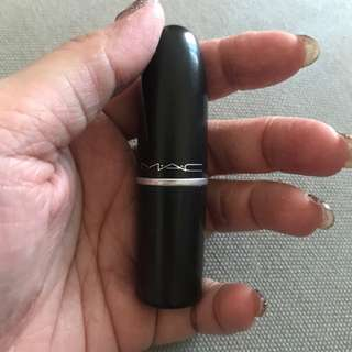 Preloved MAC lipstick (russian red)