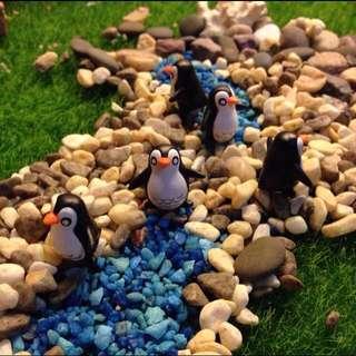 Penguin DIY terrarium accessories
