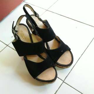 Black Wedges Velvet- Jual Murah
