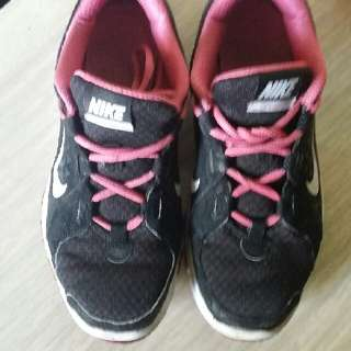 Authentic Nike Running Shoes Fit for Size 5-6