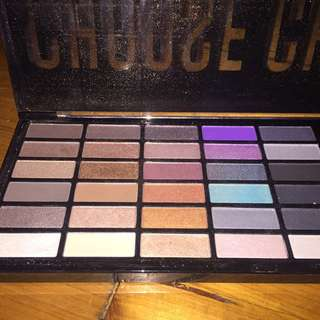 Chi chi eyeshadow pallet 30 colours only used for swatch brand new