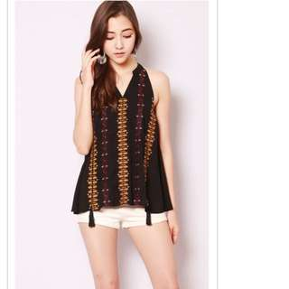 Size S SSD lysa embroidery top