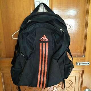 Adidas運動後背包