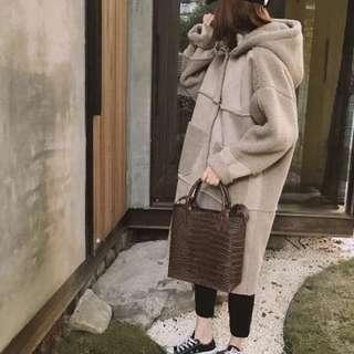 韓羊羔絨百搭麂皮絨拼接連帽寬鬆長版大衣/2色