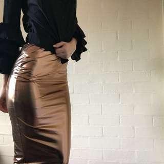 Metallic Body con Midi Skirt