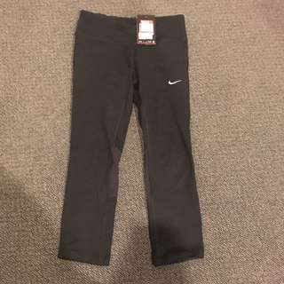 Dri-Fit 3/4 Nike Tights - size small