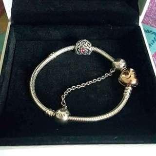 Sterling Silver Bracelet with Pandora Rose Heart Clasp (17cm)