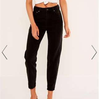 Mom Jean in Washed Black (SIZE12)
