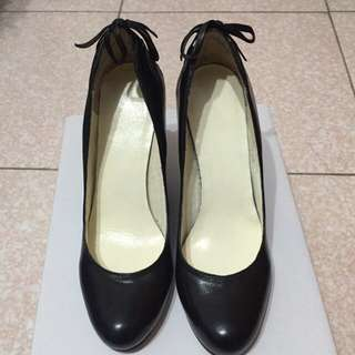 🎉便宜出清價~Nine West全新楔型鞋- 黑色