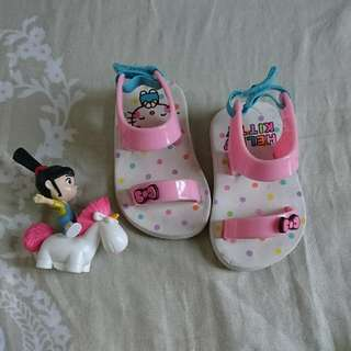 Repriced BananaPeel Hellokitty FootWear Size4