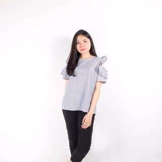 simple sabrina blouse