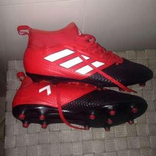 Adidas U.K. 9.5 football boots (worn 3 times)