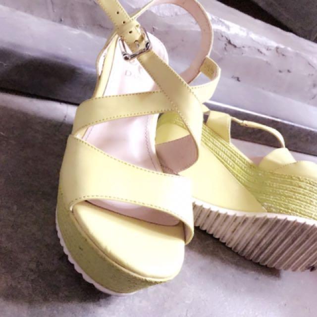 二手厚底楔型螢光綠羅馬涼鞋